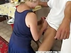 if mama make a sandwich will fuck and feed her